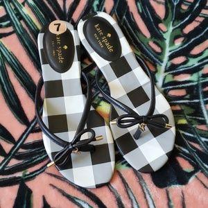 KATE SPADE Black Flip Flops Size 7